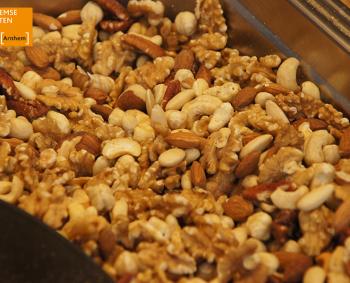 heerlijke noten en delicatessen op de Arnhemse Markten